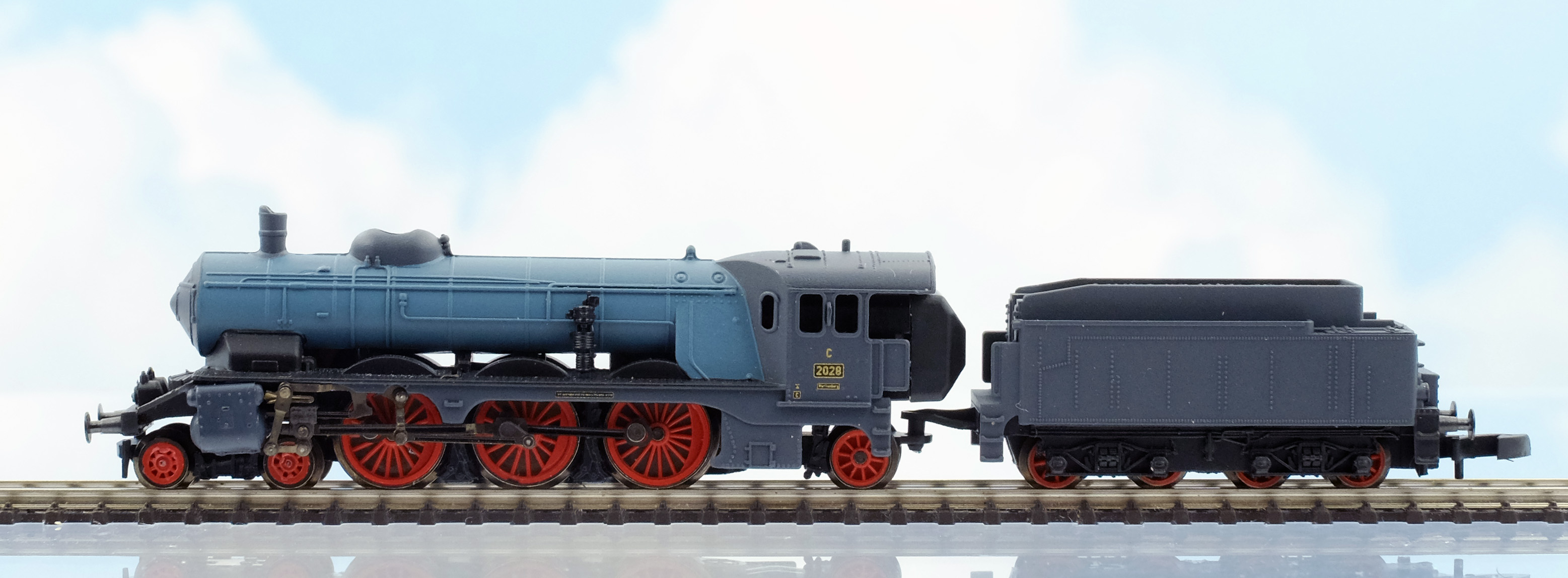 Marklin's newly released 88185 class 'C' express locomotive of the Royal  Wurttemberg State Railways features Era I paint scheme from 1915.